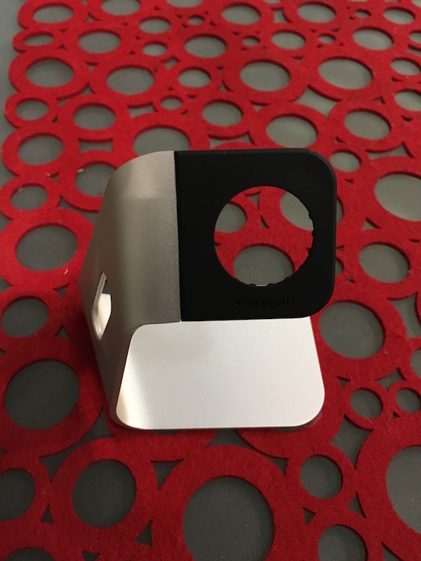 reivew-spigen-apple-watch-stand-s330-aluminium-3